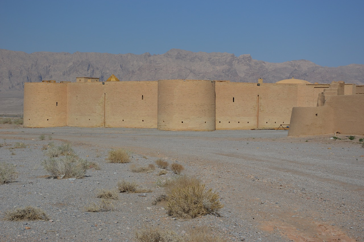 desert  caravanserai  heiss free photo