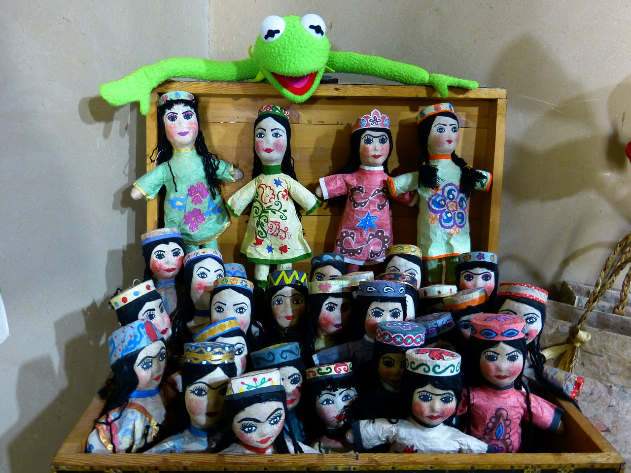 dolls hand puppets puppet theatre free photo