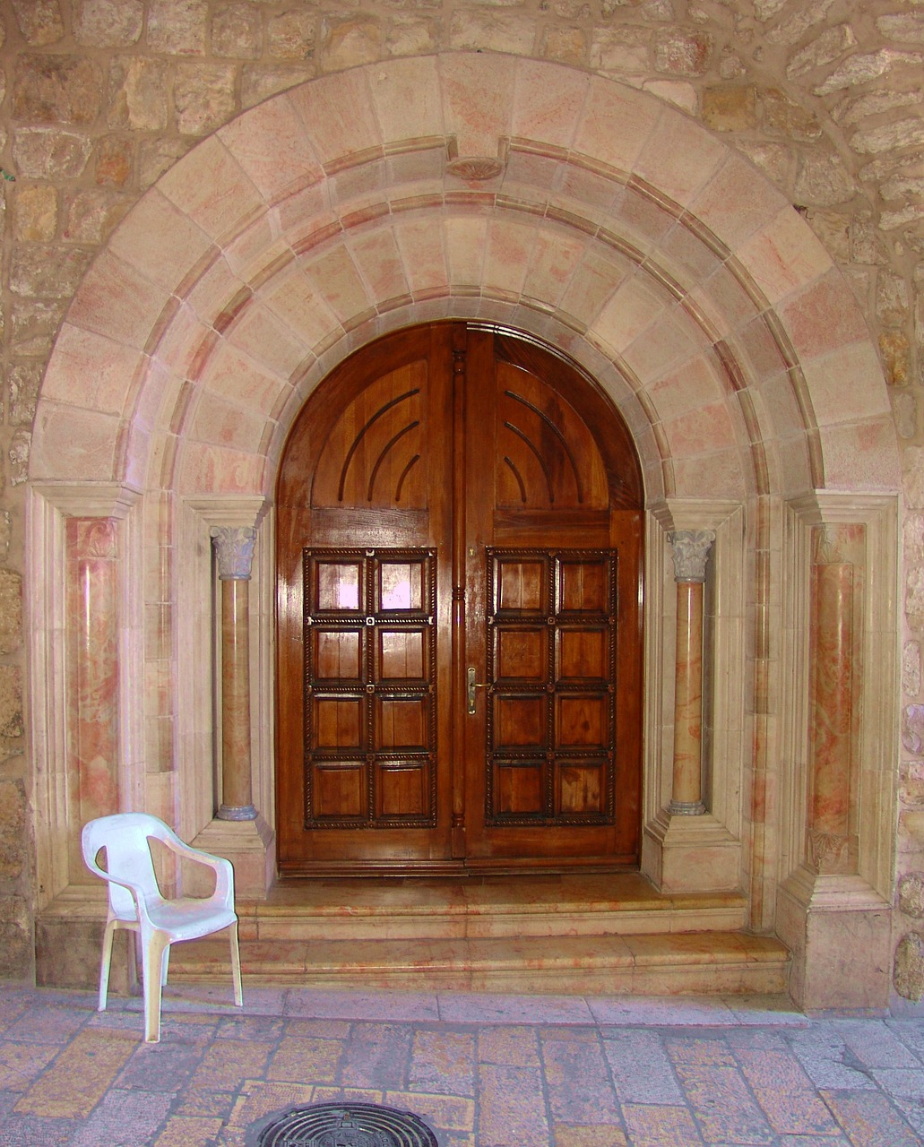 door entrance jerusalem free photo