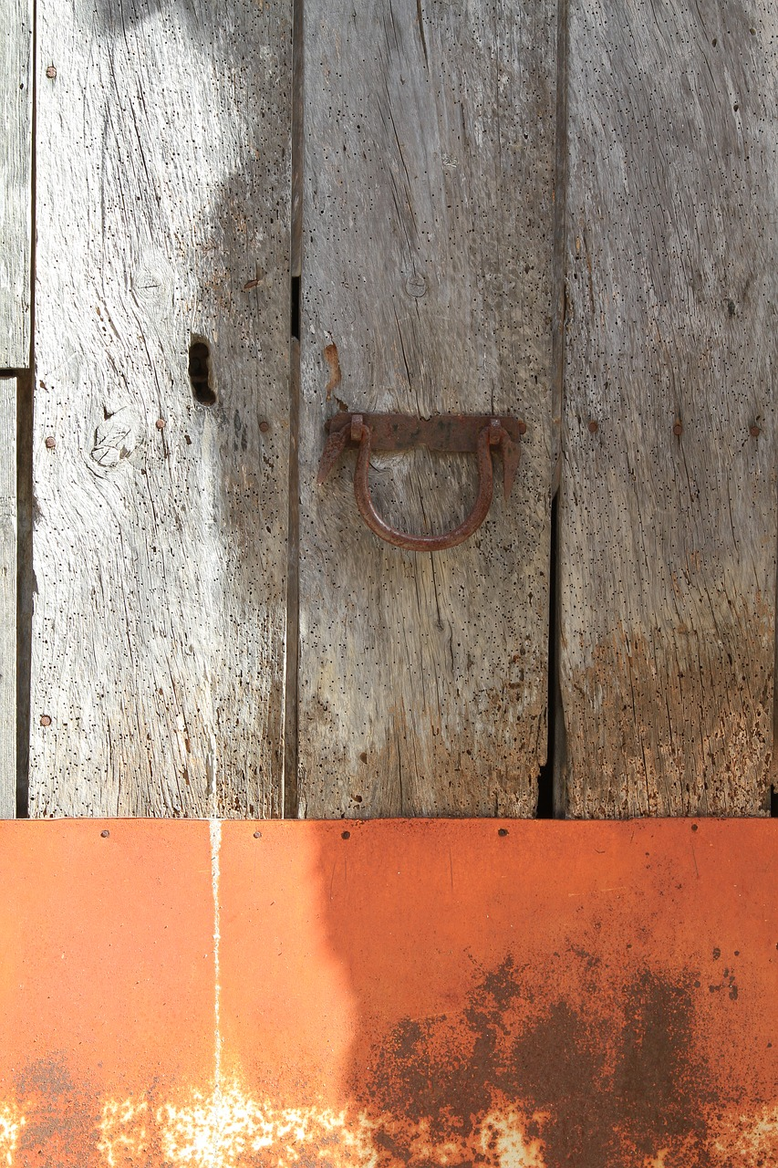 door wood orange free photo