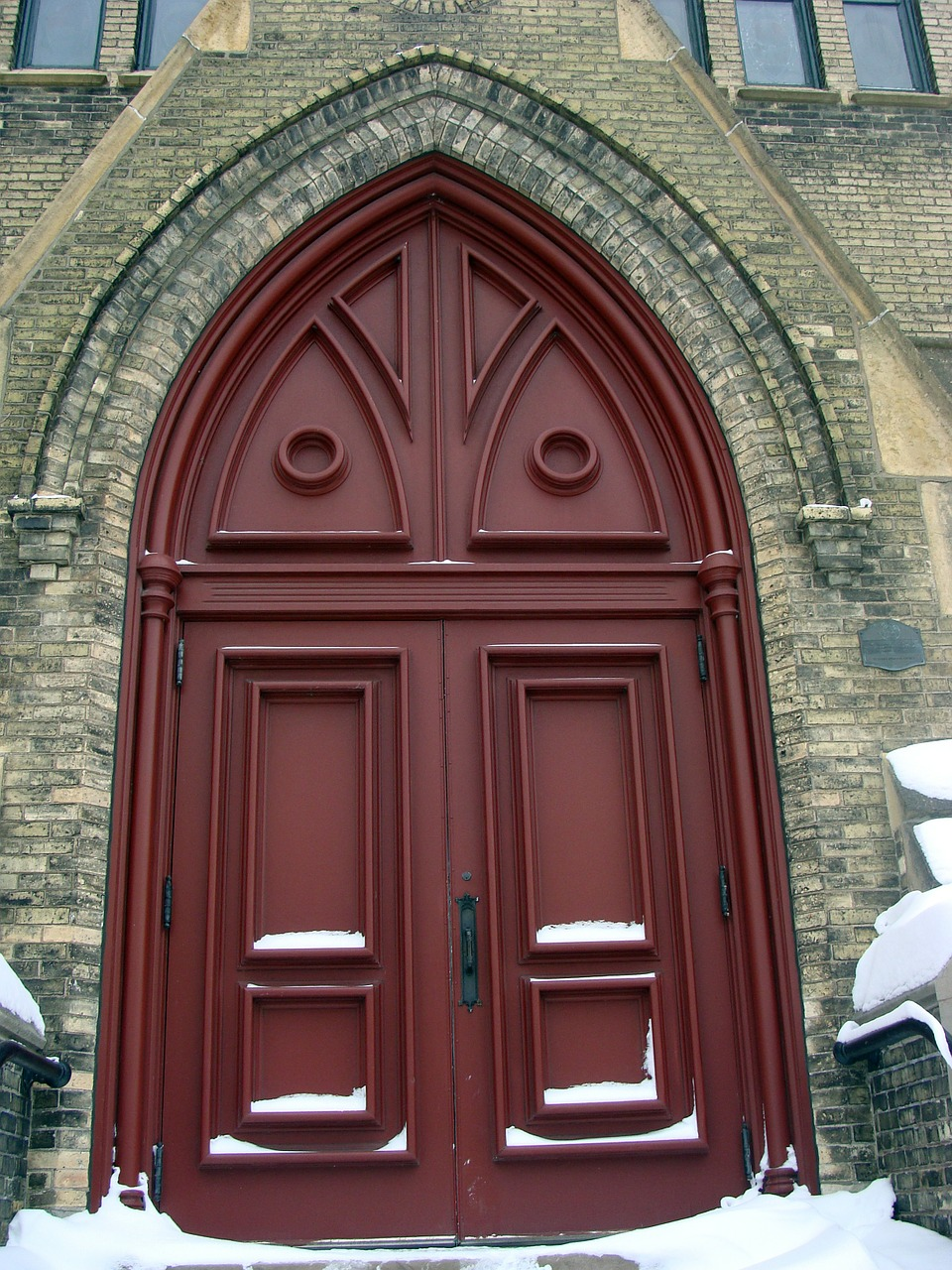 door church architecture free photo