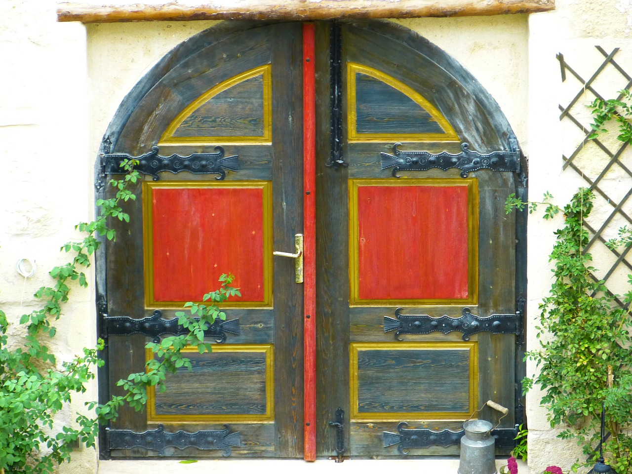 door goal house entrance free photo