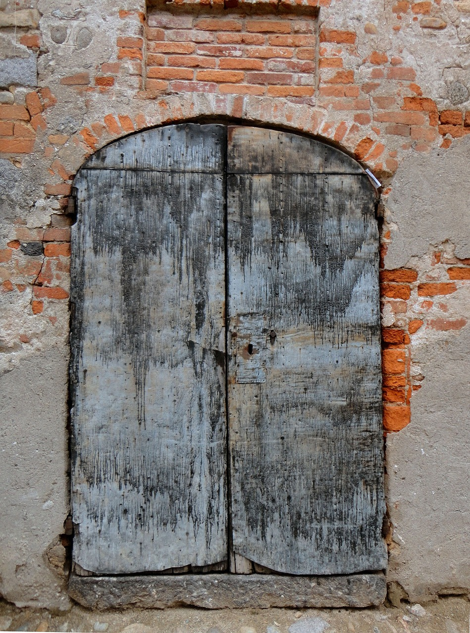 door ancient old port free photo