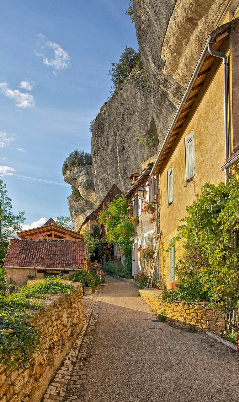 dordogne france buildings free photo