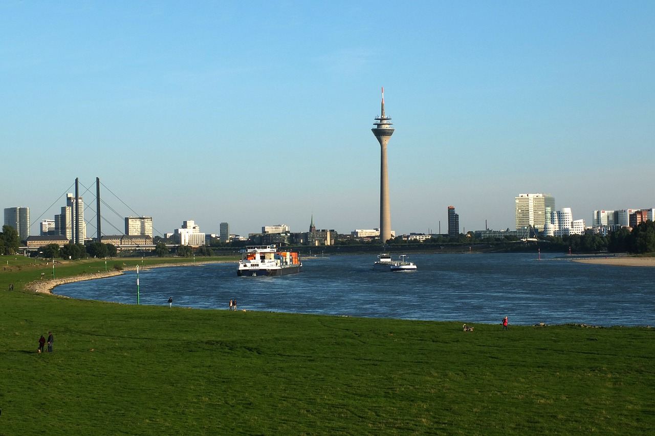 düsseldorf city skyline free photo