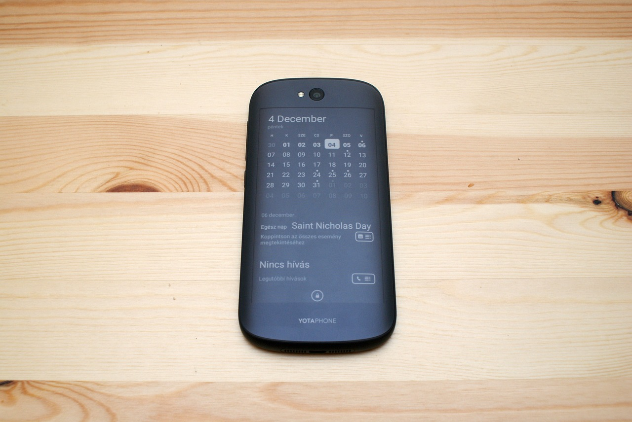 Mobili E Mobili.E Knyga Yotaphone2 Mobilus Ismanusis Telefonas Elektroninis