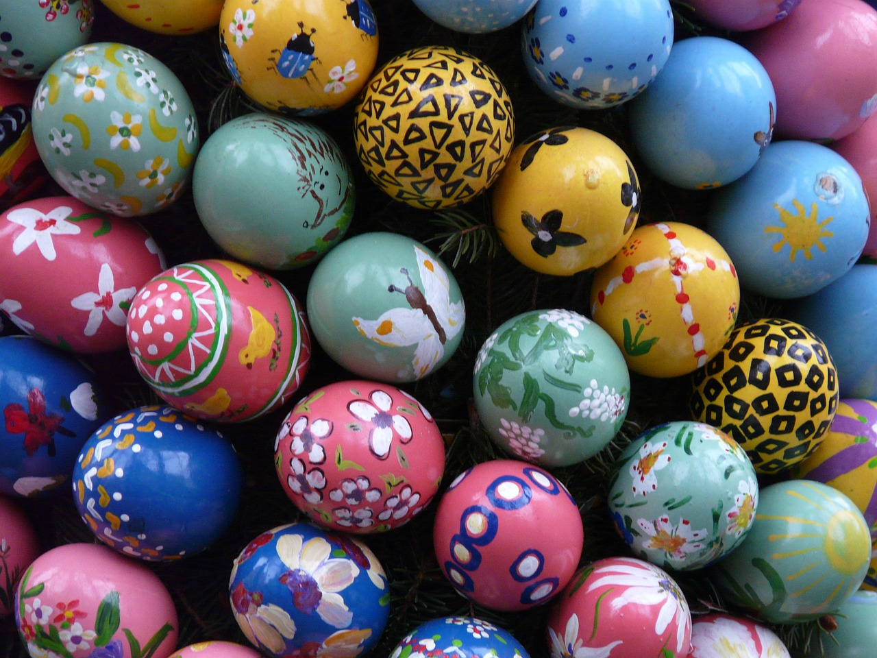 easter easter eggs colorful free photo