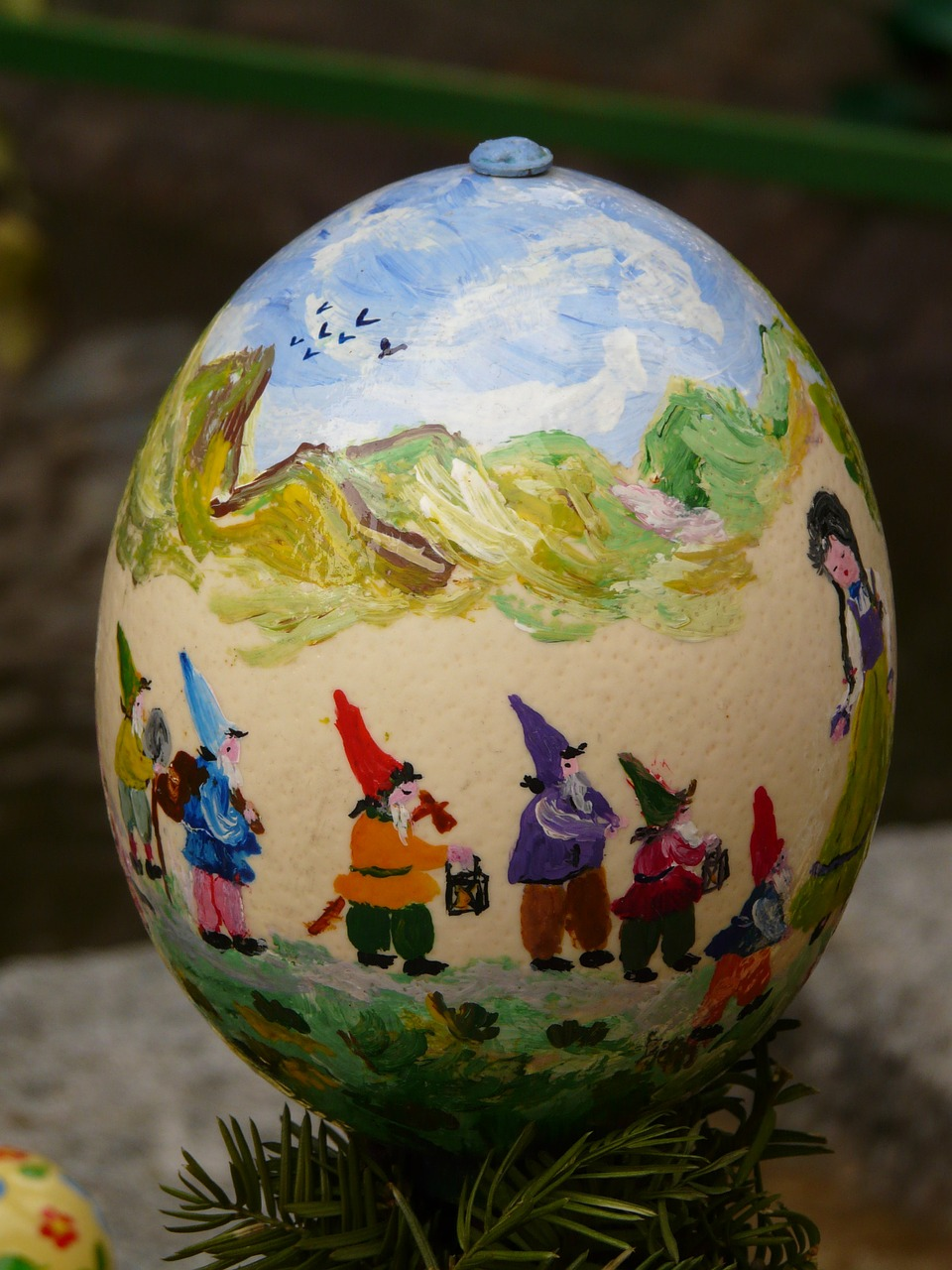 easter egg,easter,paint,easter egg painting,easter eggs,egg,painting,art,color,colorful,seven dwarfs,free pictures, free photos, free images, royalty free, free illustrations, public domain