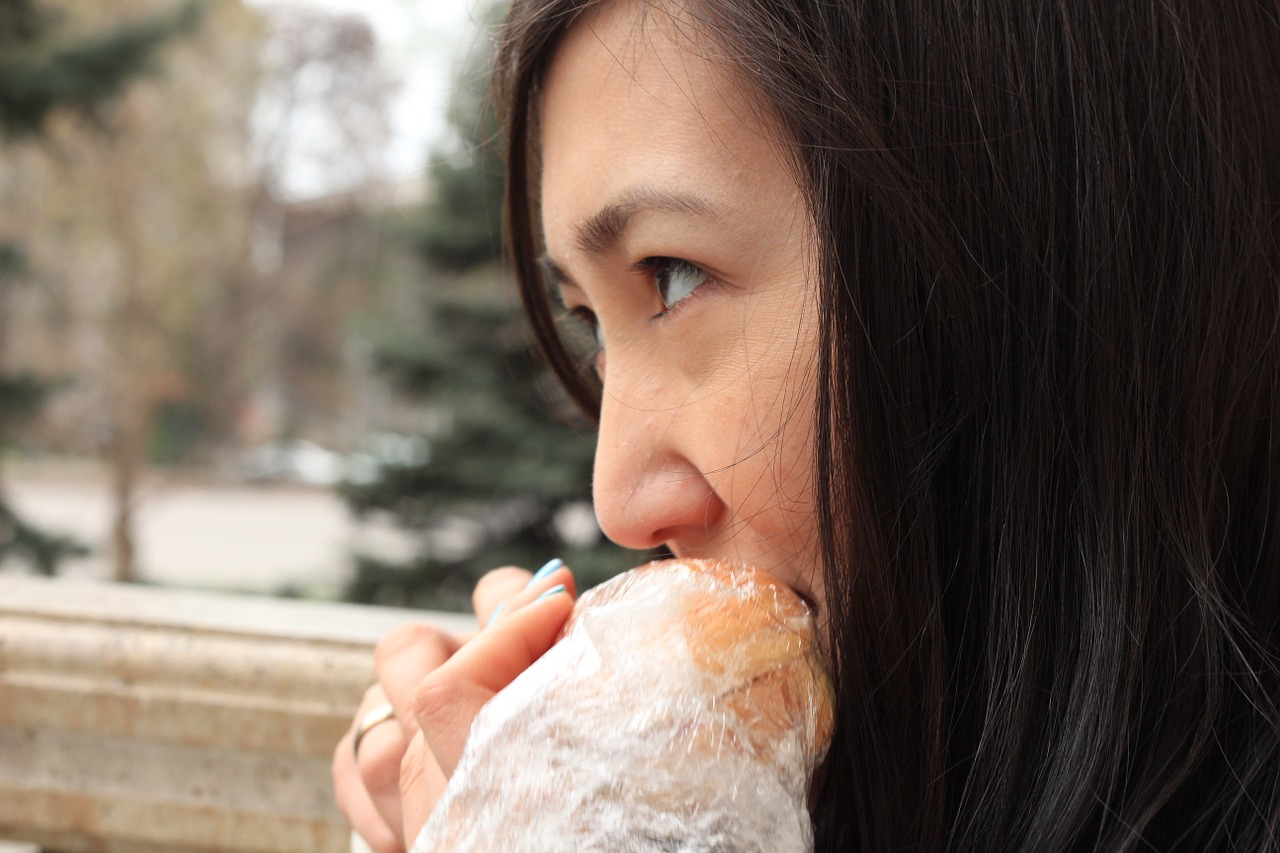 eating girl food free picture