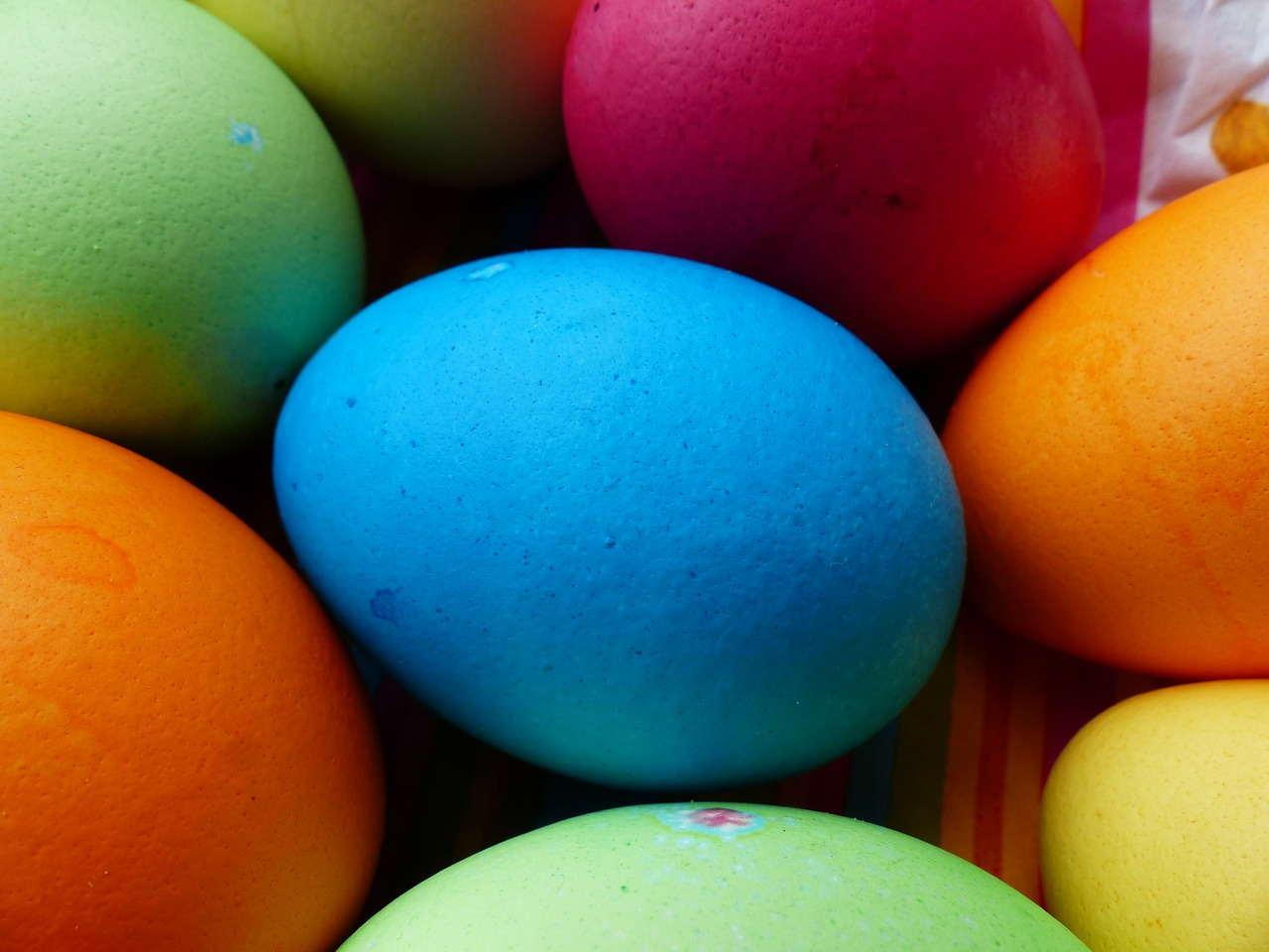 egg colorful easter eggs free photo