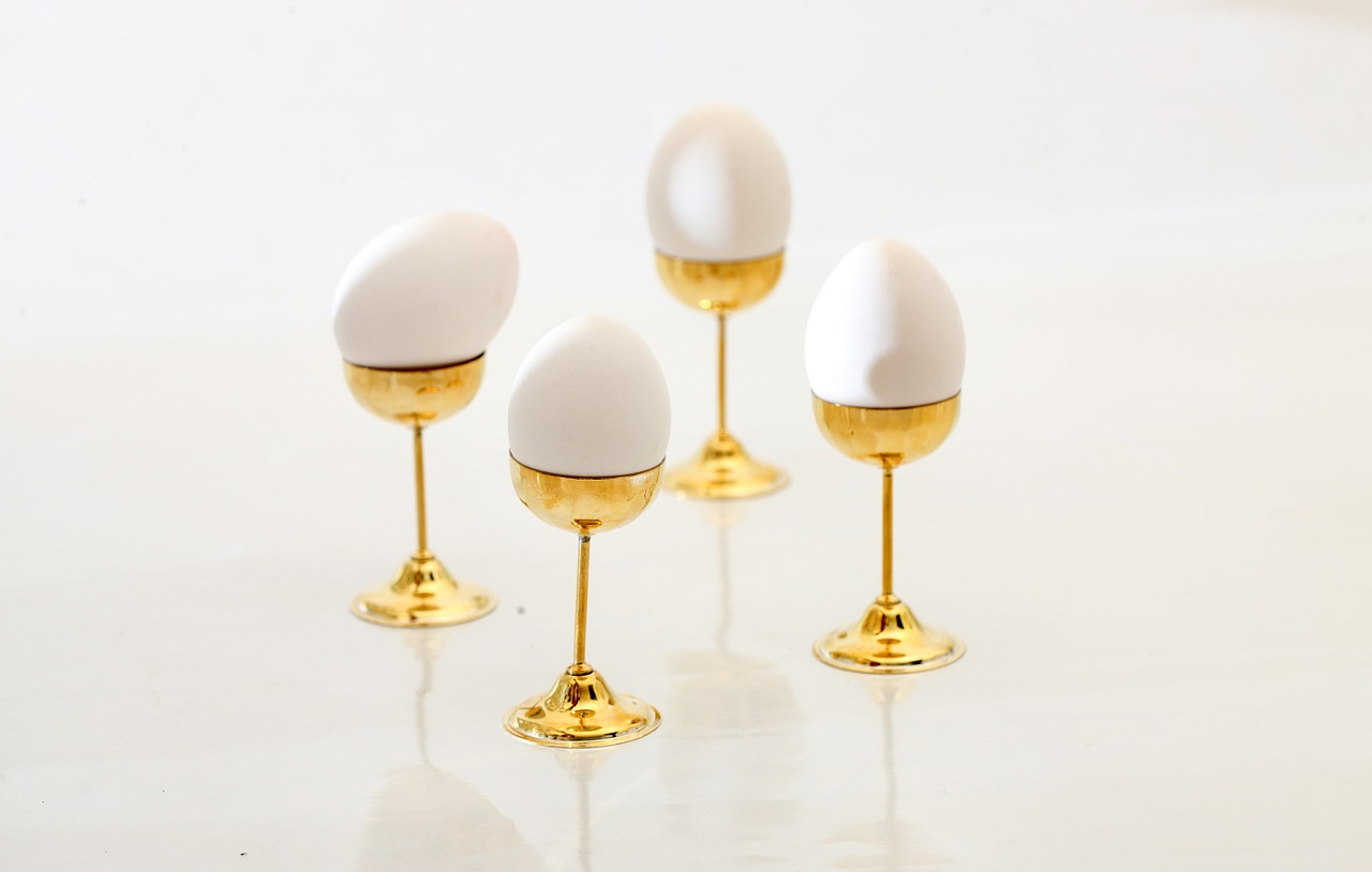 egg pedestal egg stand free photo