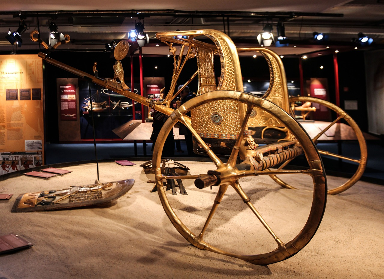 egypt pharaonic chariot free photo