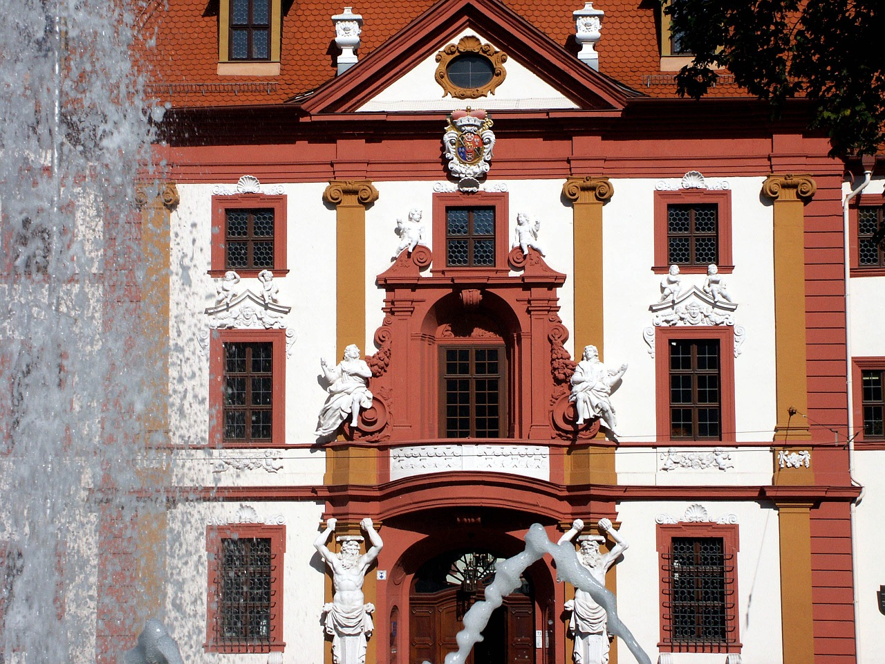 erfurt state chancellery fountain free photo