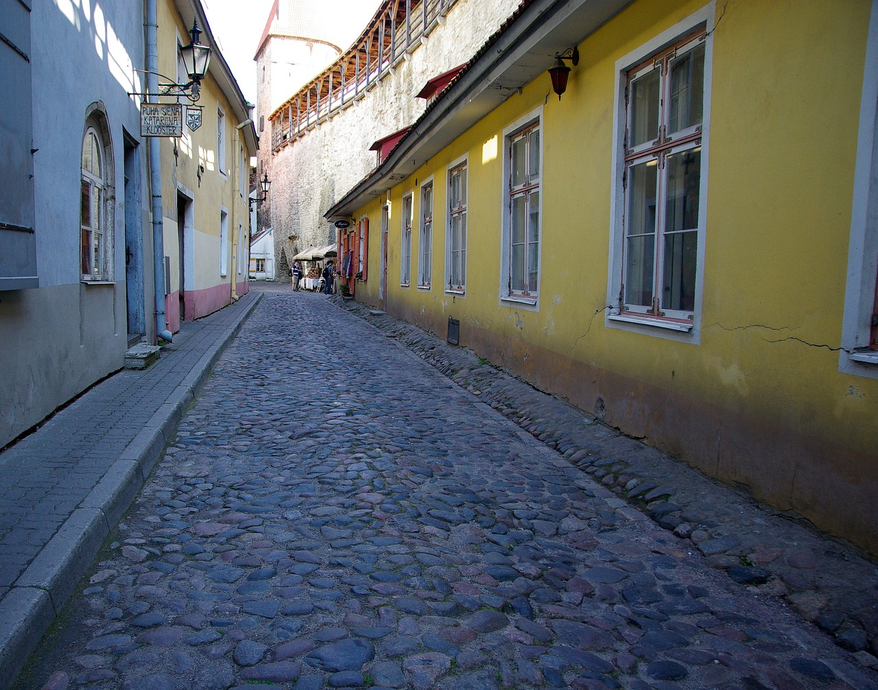 estonia tallinn lane free photo