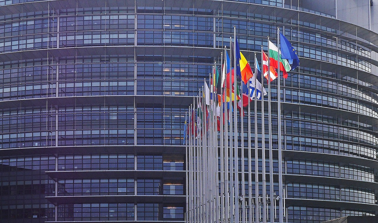This image has an empty alt attribute; its file name is european-parliament-1274765_1280.jpg