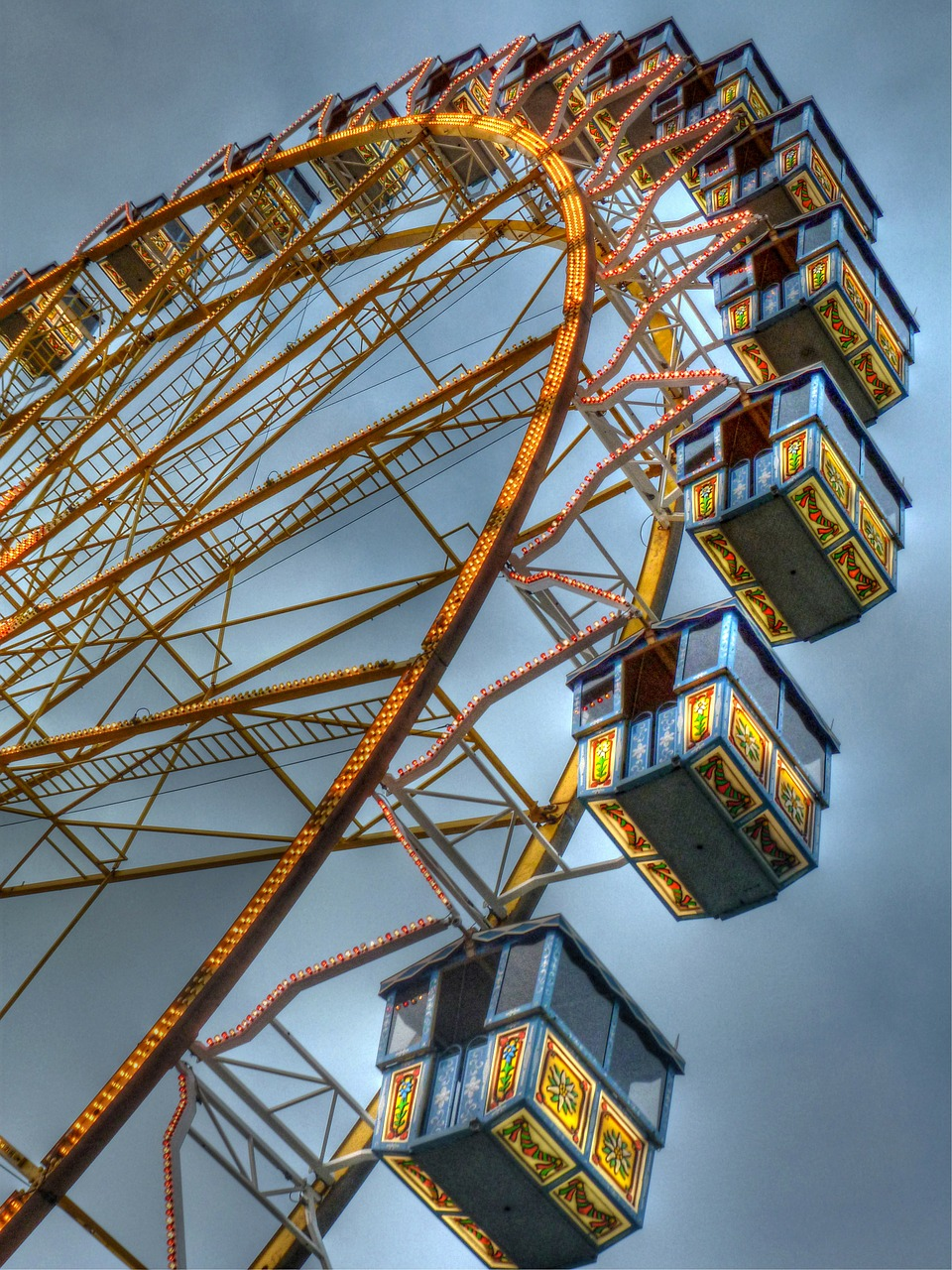 fair,folk festival,dom,ferris wheel,carnies,rides,buden,free pictures, free photos, free images, royalty free, free illustrations, public domain