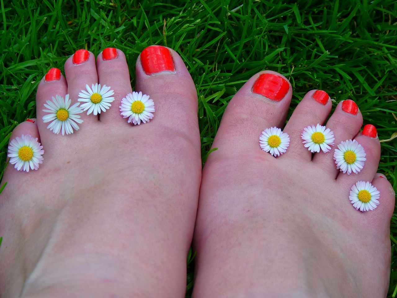 feet ten nail varnish free photo