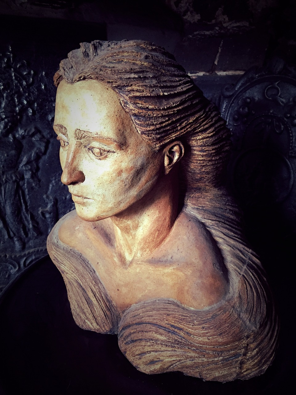 female bust carved free photo