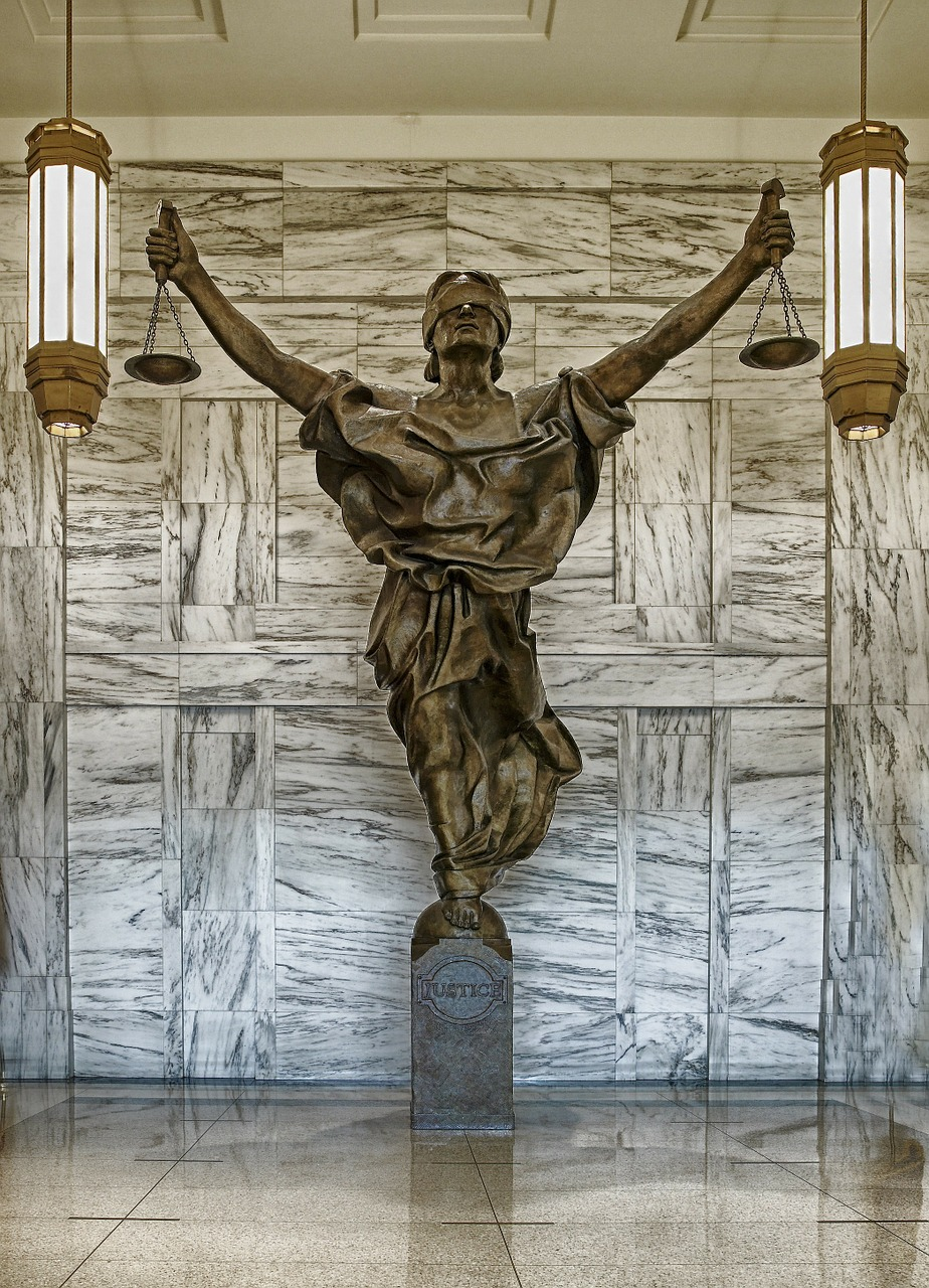figure of justice new york city courthouse free picture