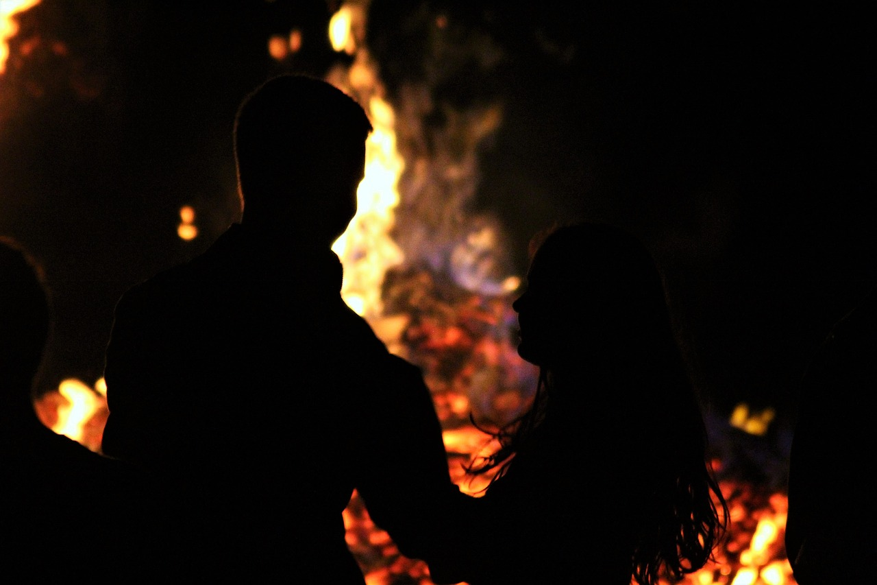 fire love campfire free photo