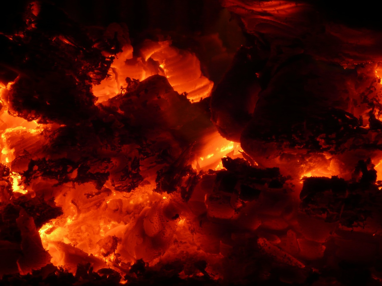 fire,embers,heat,flame,hot,barbecue,burn,free pictures, free photos, free images, royalty free, free illustrations