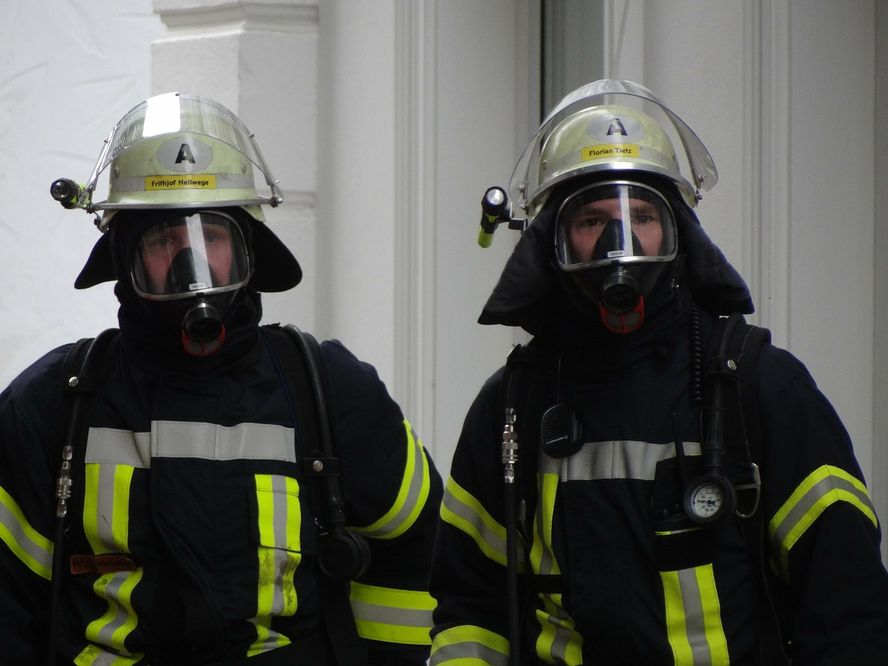 fire respiratory protection fire fighter free photo