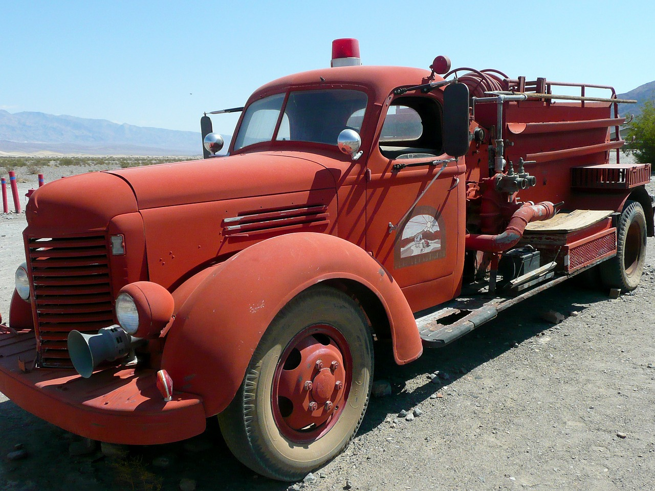 firetruck vehicle rescue free photo