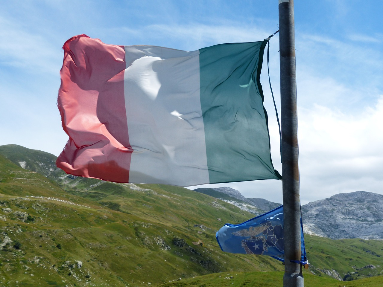flag italy blow free photo