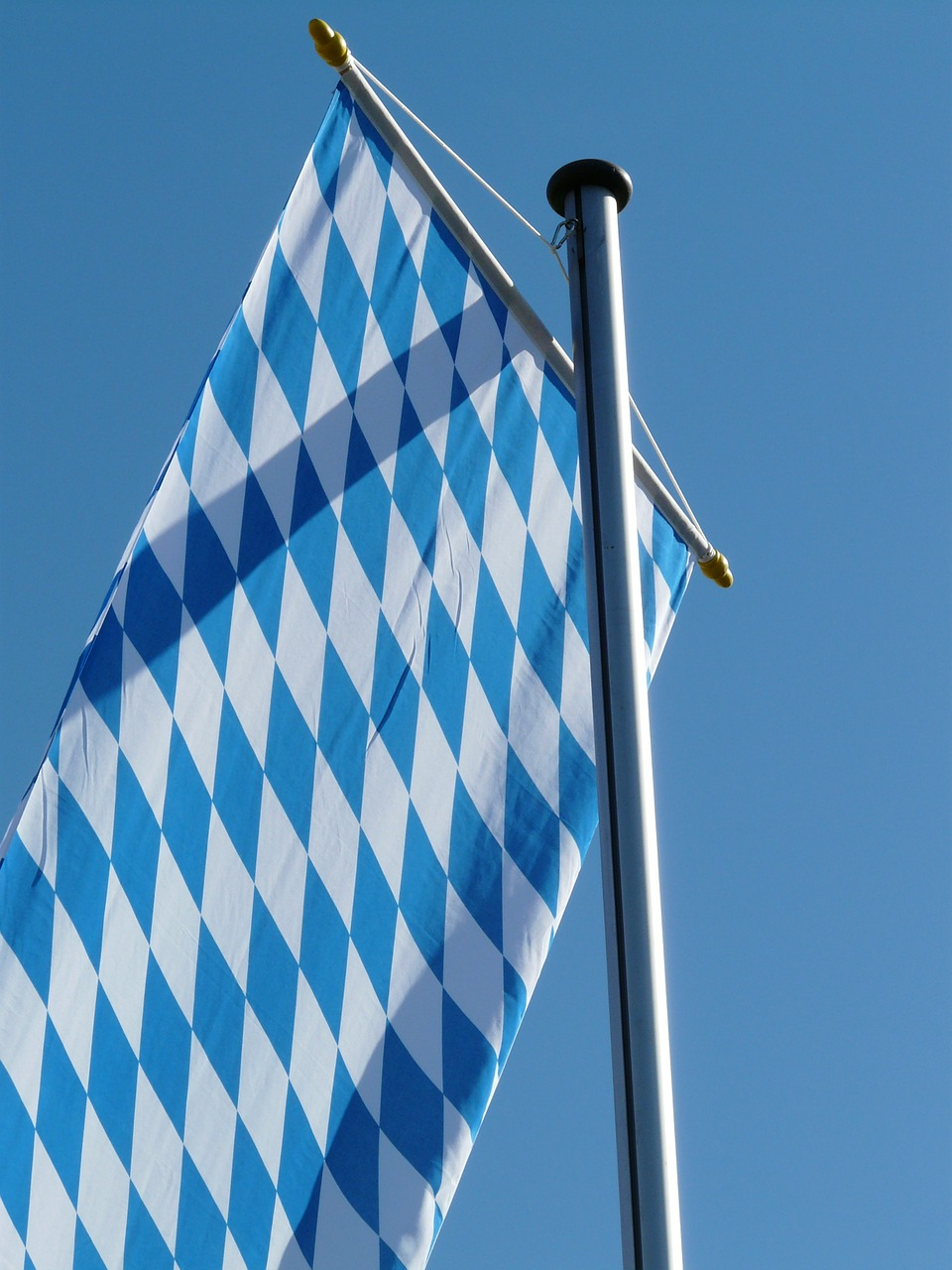 flag,bavaria,blow,flutter,sky,blue,white,bavarian flag,free pictures, free photos, free images, royalty free, free illustrations, public domain