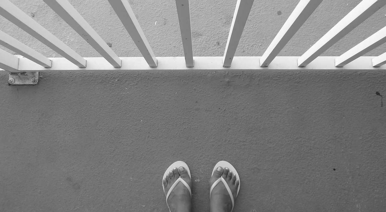 flip-flops feet balcony free photo