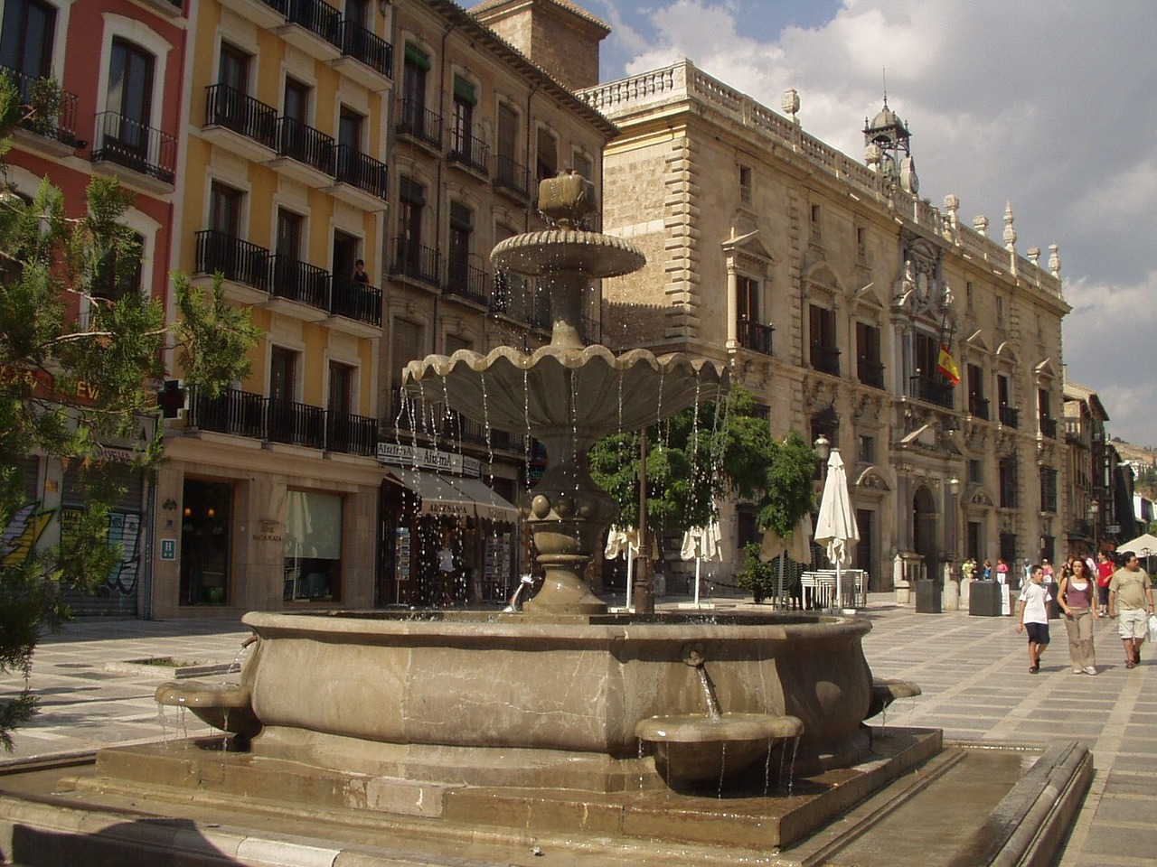 fountain fountain city spain free picture