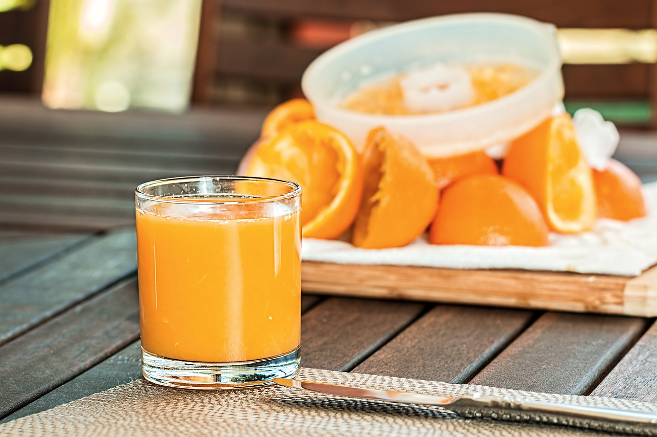 Fresh orange juice,squeezed,refreshing,citrus,drink - free image from  needpix.com