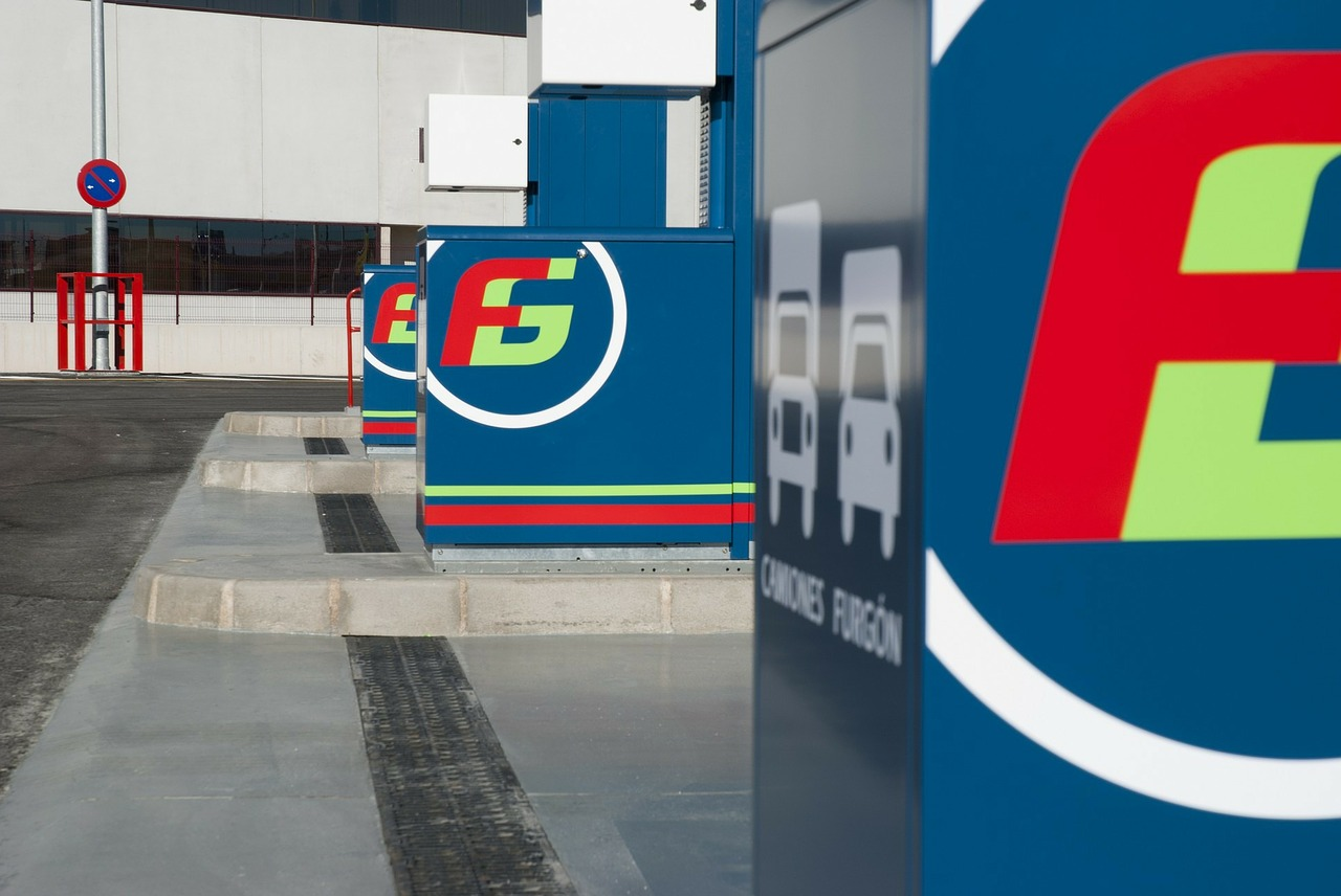 froet gas petrol station gasoline free photo