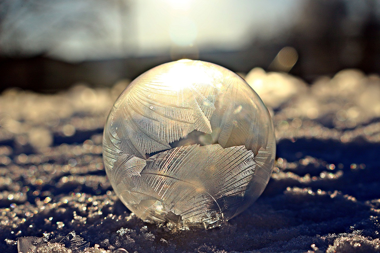 frosted soap bubble eiskristalle frost blister free photo