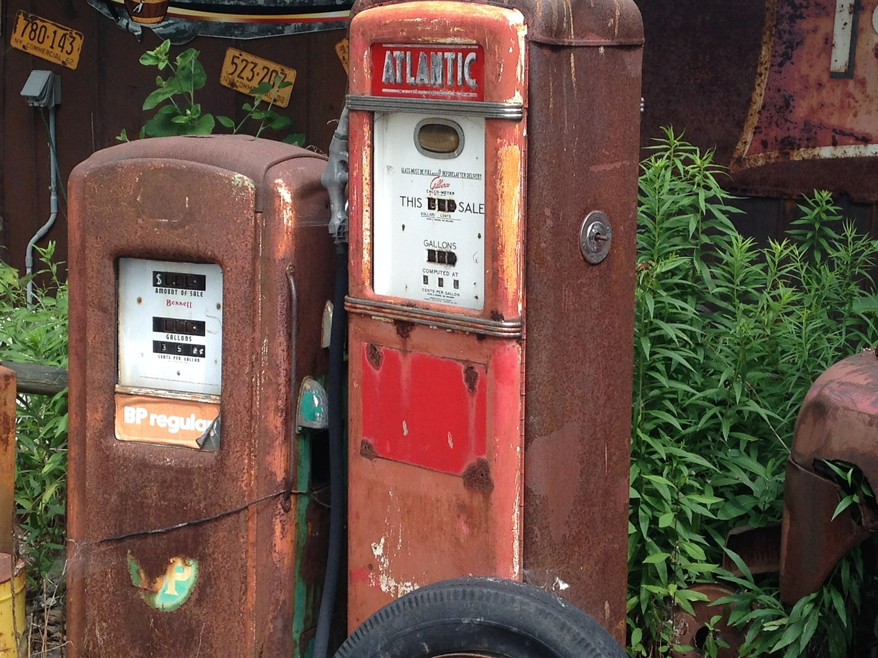 gas pump antique old free photo