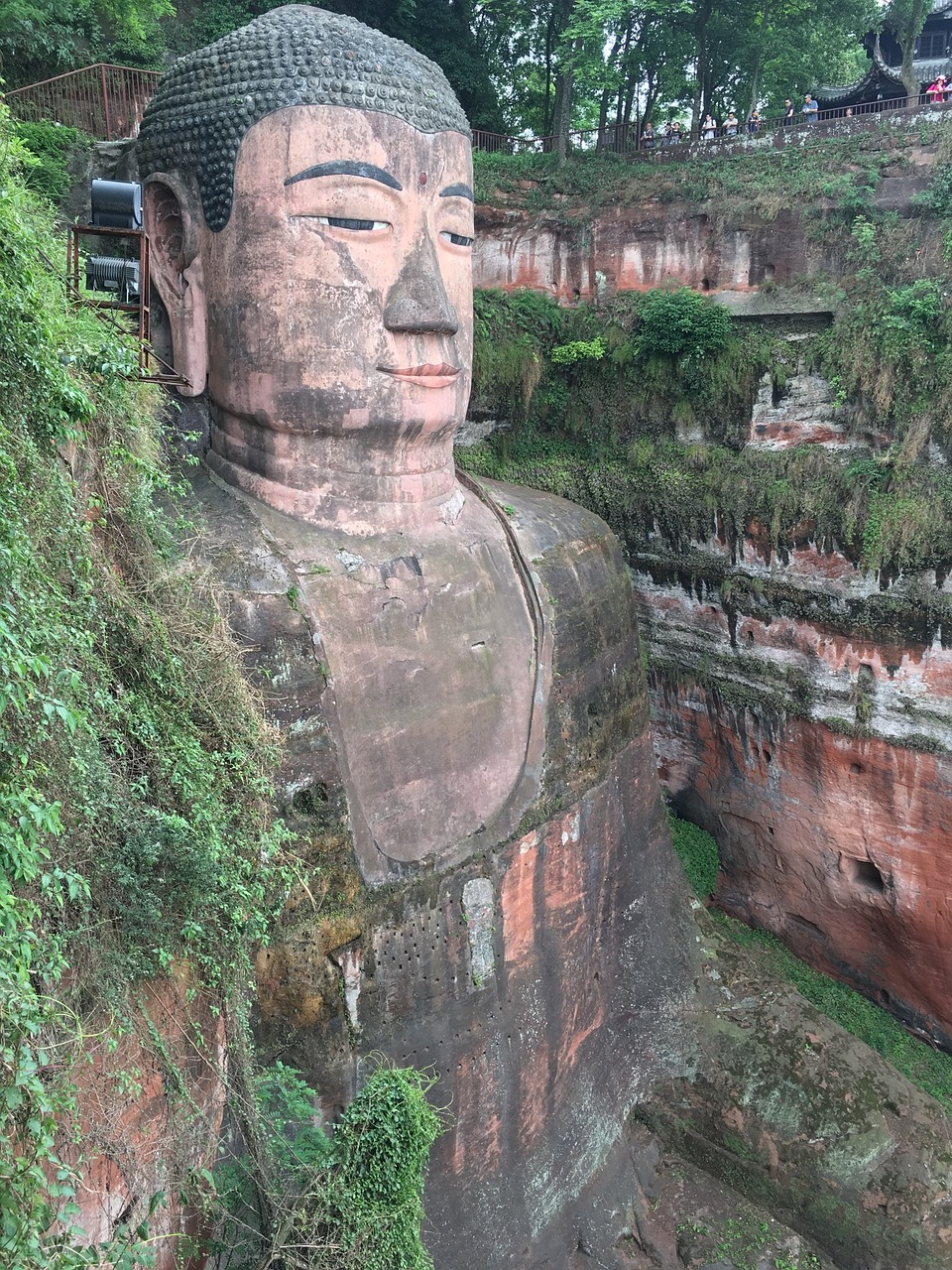 giant buddha,sichuan,china,southwest china,sichuan province,holiday,travel,subtropics,buddha,free pictures, free photos, free images, royalty free, free illustrations, public domain