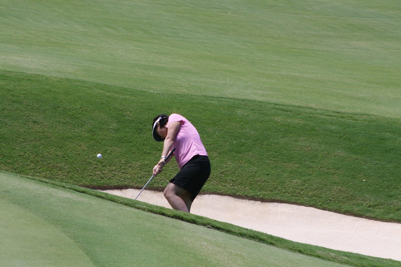 golf bunker woman free photo