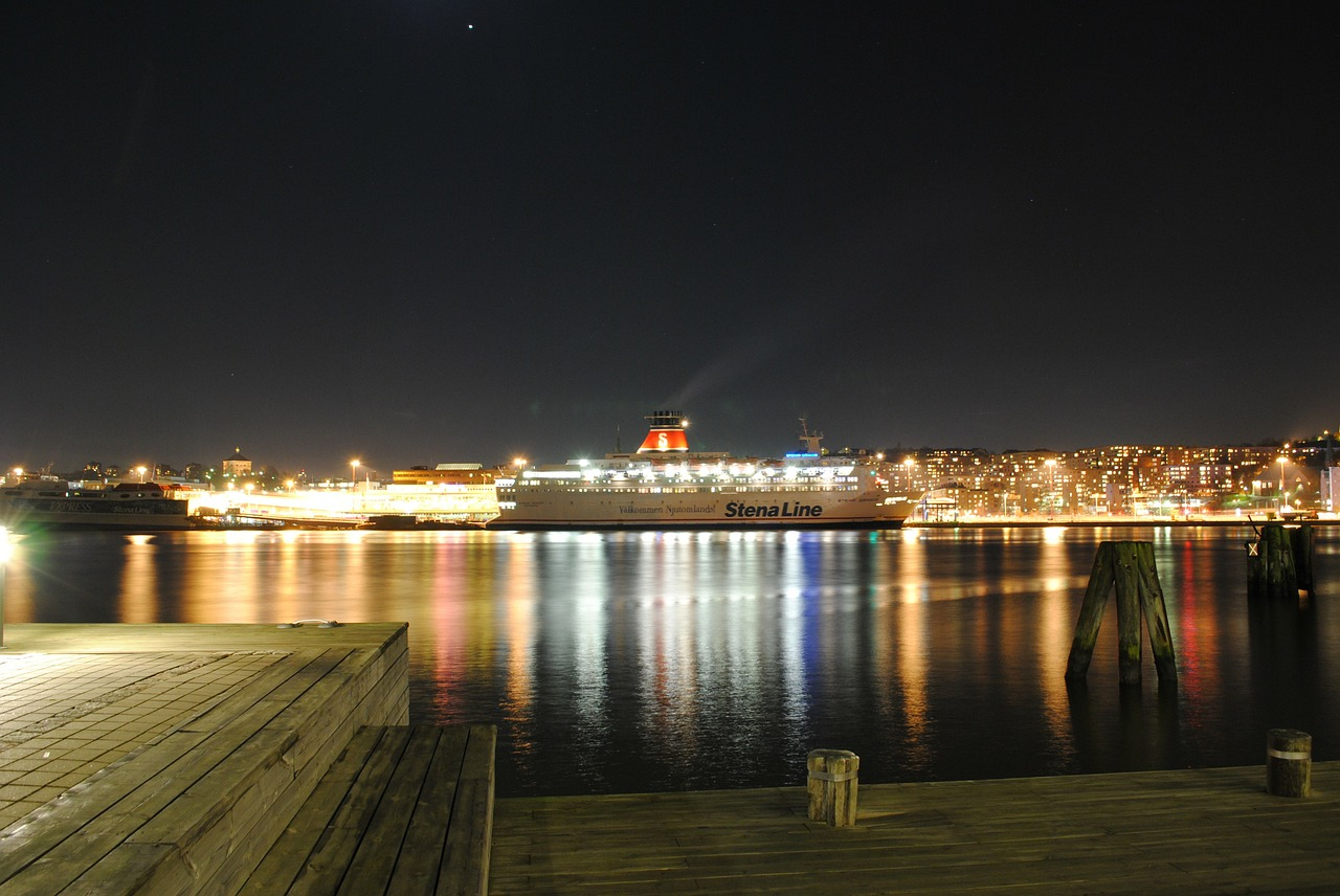 gothenburg sweden night free photo