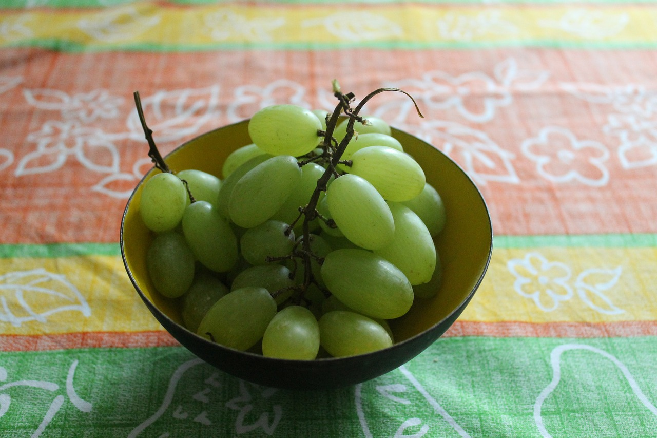 grapes bowl fruit free photo