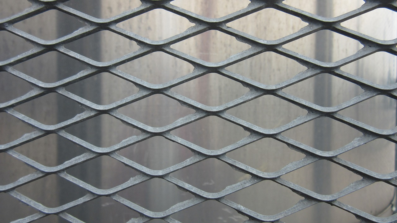 grid metal drawn free photo