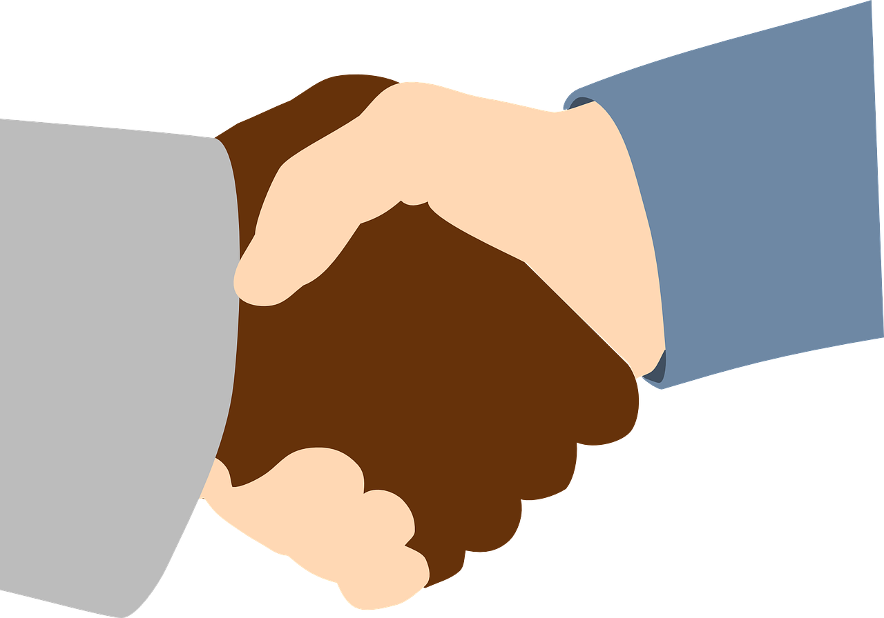 handshake,black,white,friends,business,people,shaking,shake,agree,agreement,handshaking,corporate,teamwork,professional,friendship,friendly,contract,congratulating,greeting,free vector graphics,free pictures, free photos, free images, royalty free, free illustrations, public domain