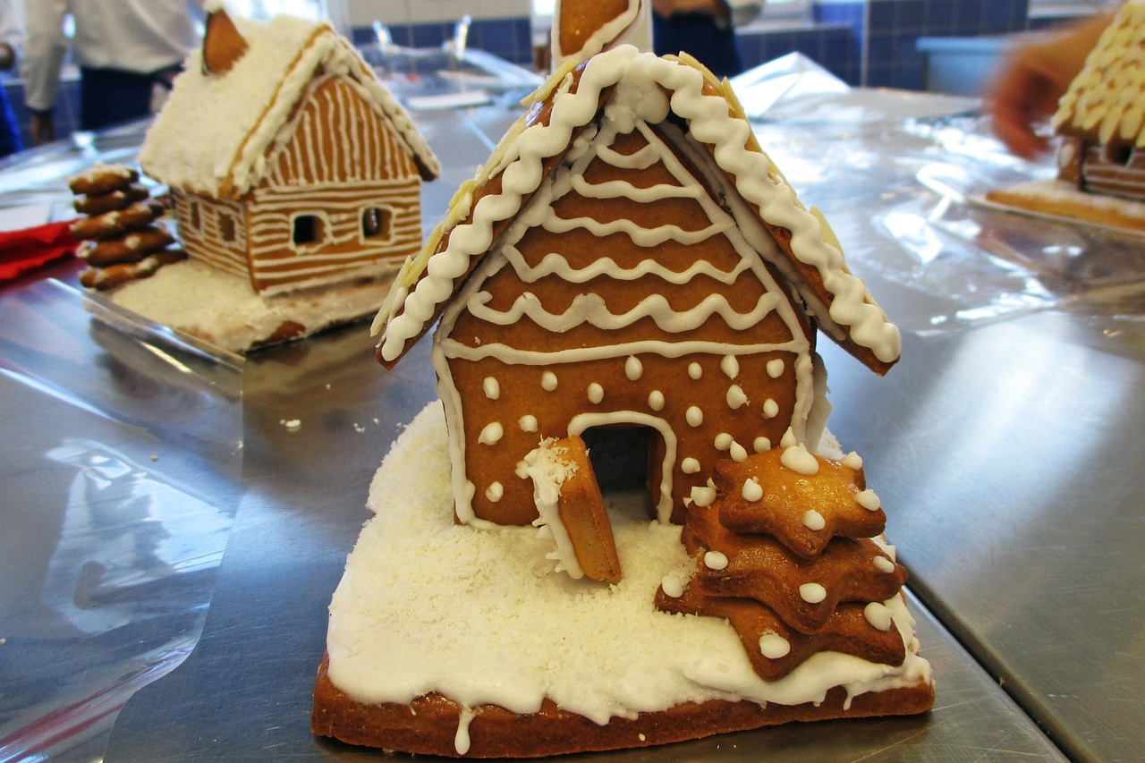 hansel and gretel confectioner's gingerbread free photo