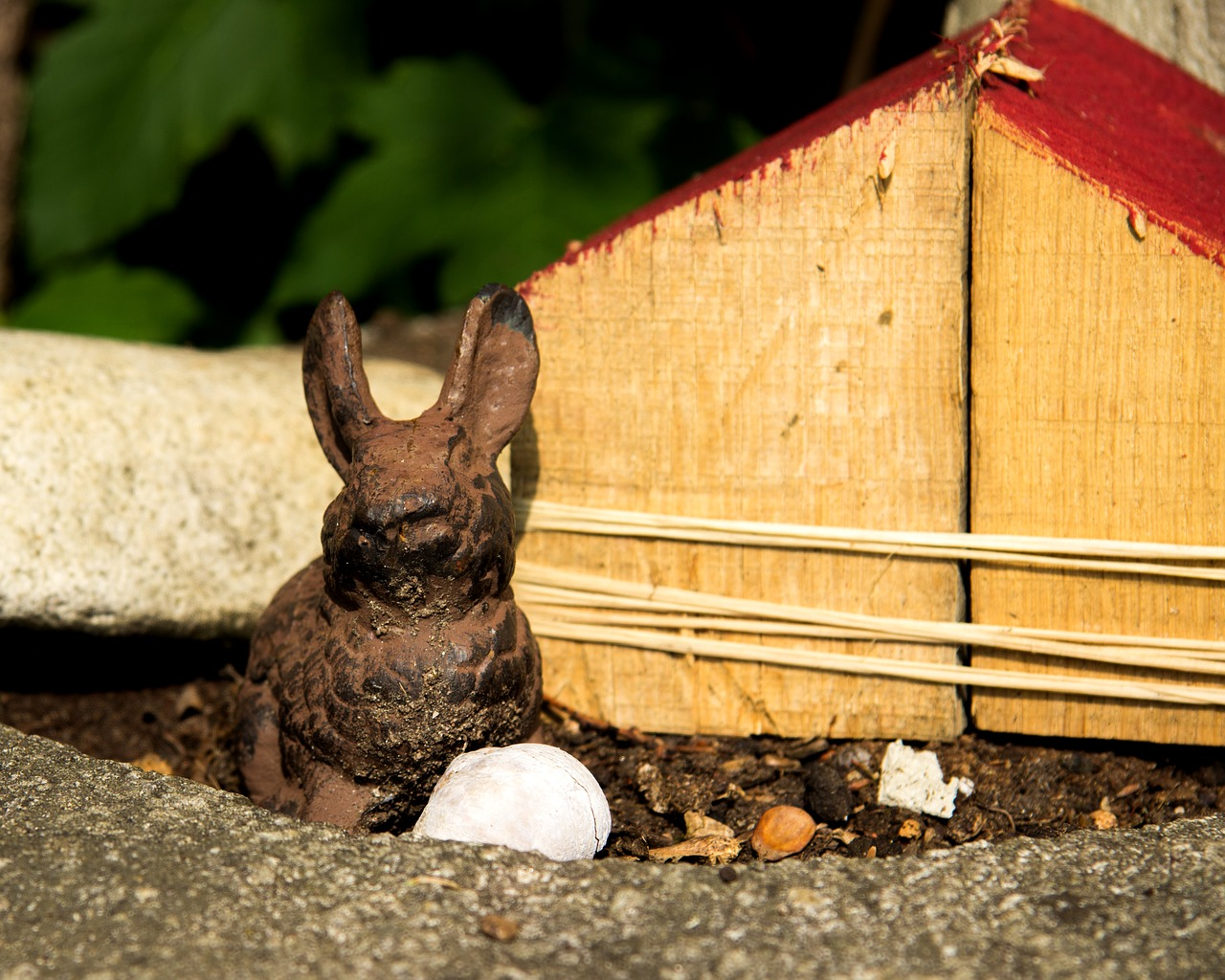 hare easter garden free photo