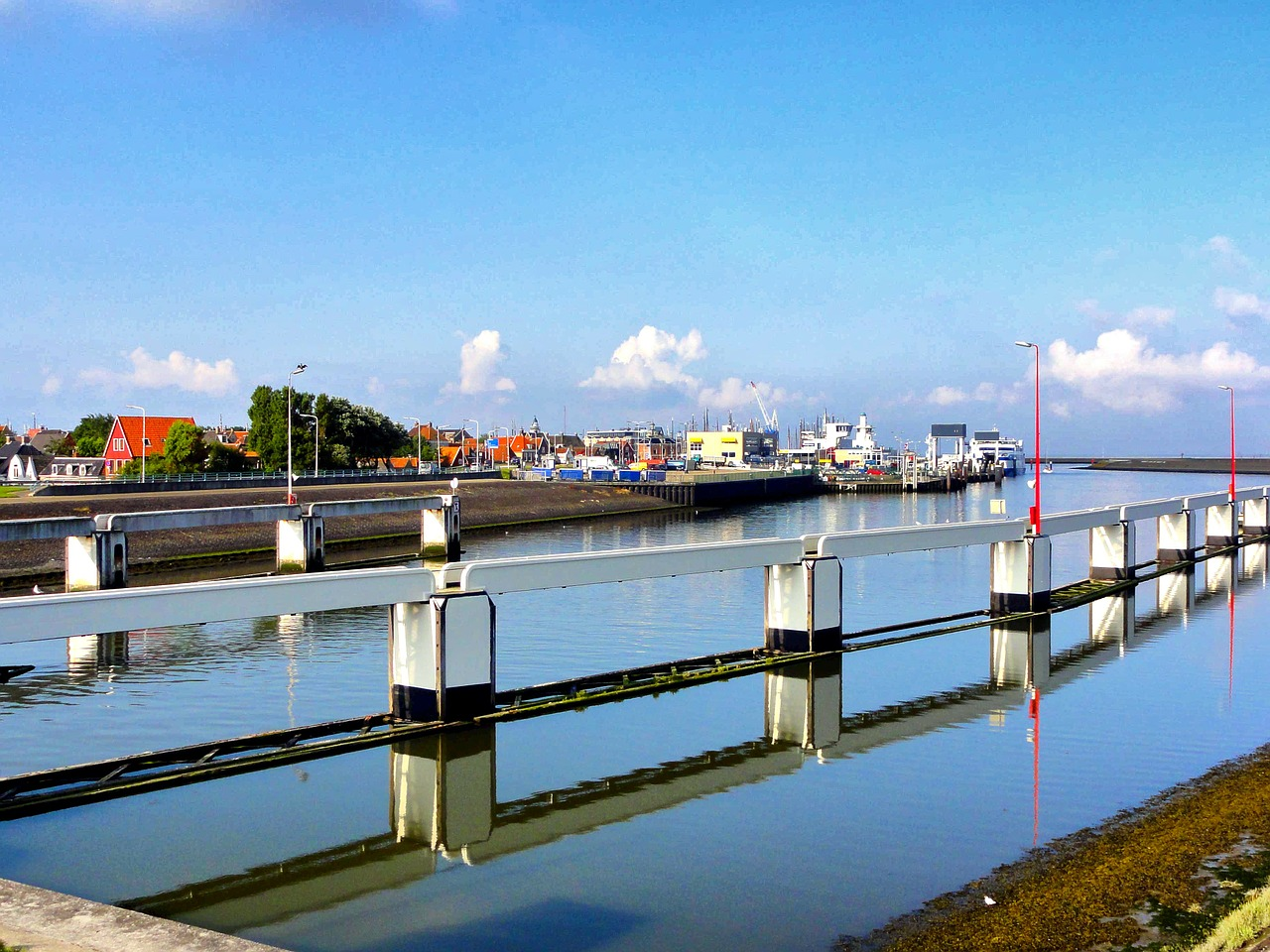 harlingen netherlands canal free photo