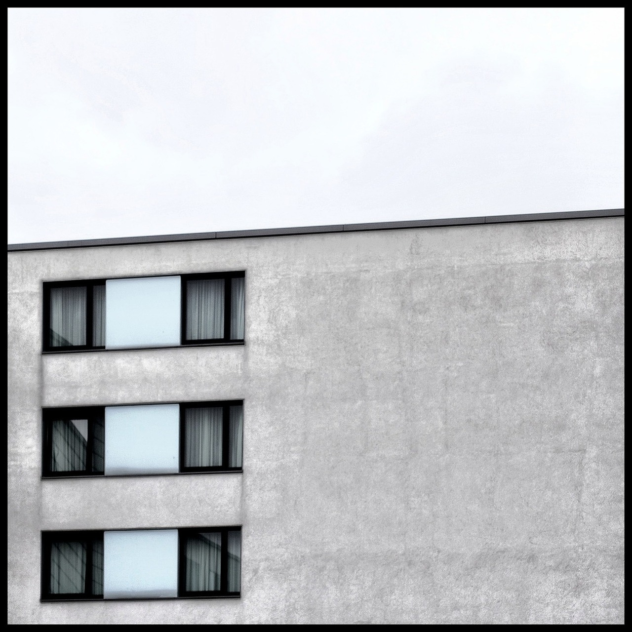 hauswand abstract window free photo