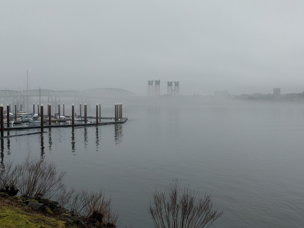 hayden island mist,portland oregon usa,marina,bridge,interstate bridge,oregon,washington,interstate,island,columbia river,fog,sailboats,river,drawbridge,house boats,free pictures, free photos, free images, royalty free, free illustrations, public domain