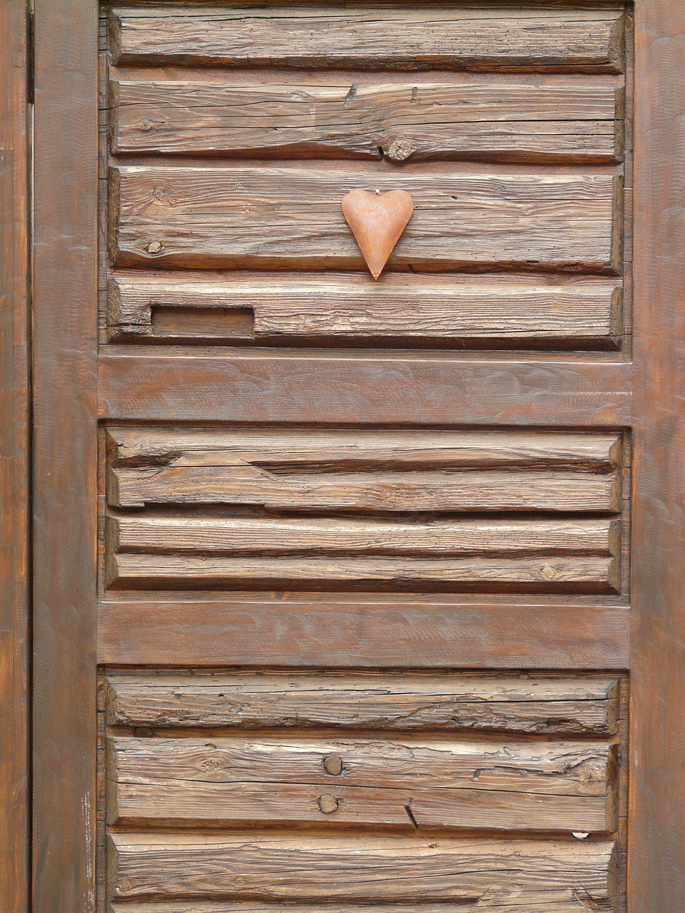heart door wooden door free photo