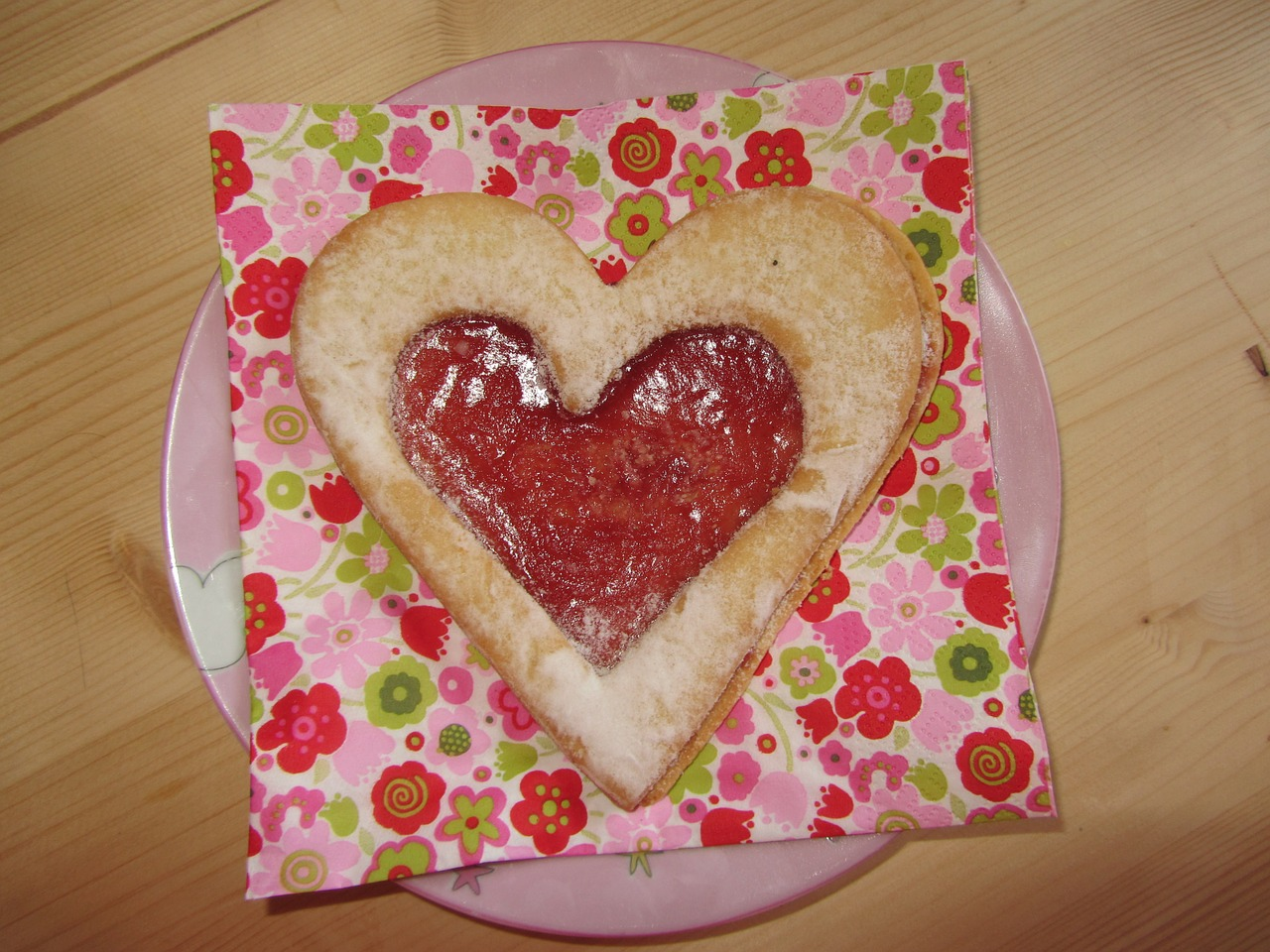 heart cookies biscuit heart free photo