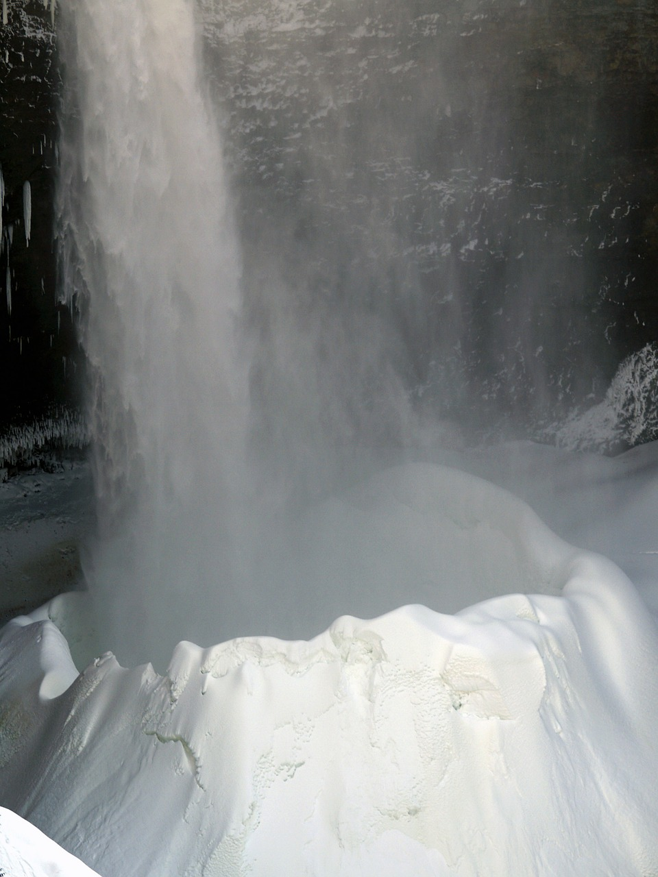 helmcken falls wells gray provincial park free photo