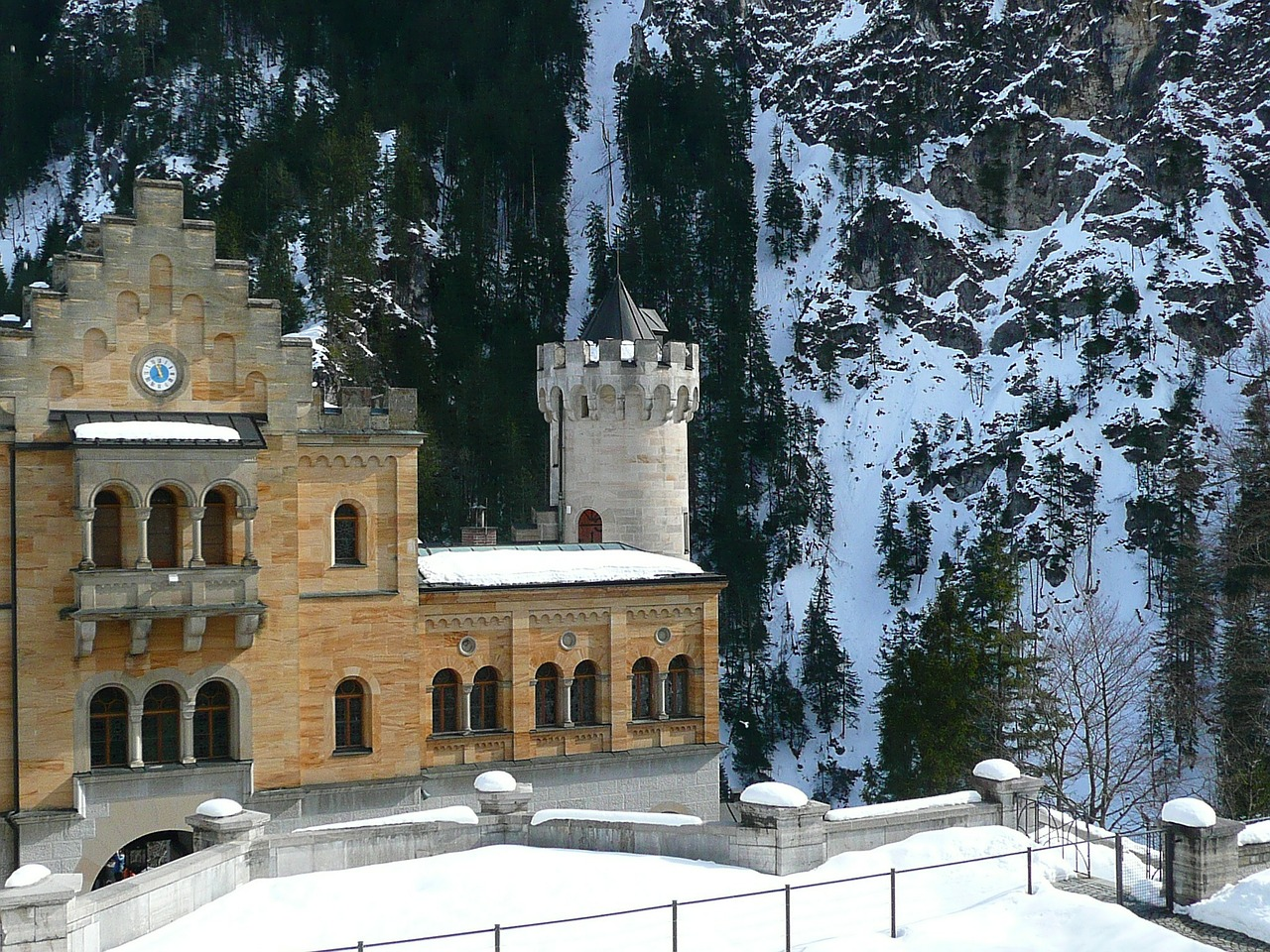 hohenschwangau closed castle free photo